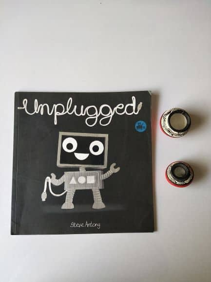 REVIEW: UNPLUGGED BY STEVE ANTONY